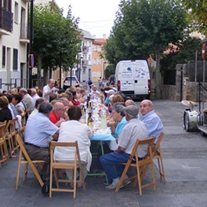 Cena con los pensionistas en Collado Mediano